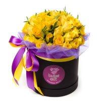"""51 желтая роза в шляпной коробке """"Песочные часы"""""""