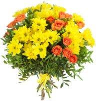 Букет из кустовых роз и хризантем фото