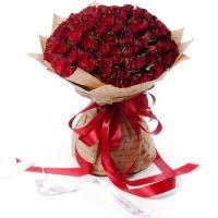 "101 роза в крафте ""Алые паруса"""