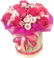 """Шляпная коробка с хризантемами и розами """"Воспоминания"""""""