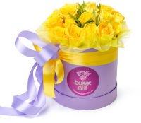 """Небольшая шляпная коробка с розами """"Ласковый рассвет"""""""